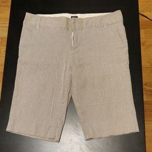 Gap pinstripe Bermuda shorts - 8